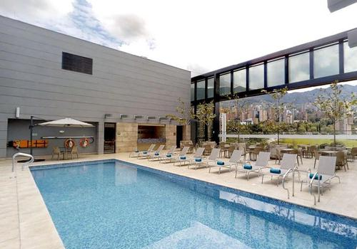 HEATED POOL ESTELAR Square Hotel Medellin